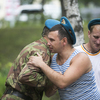 Бойцы поздравляют друг друга с праздником — newsvl.ru