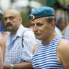 Среди участников памятного митинга были те, кто служил в воздушном десанте, десантно-штурмовой бригаде, спецназе, десатно-штурмовом батальоне морской пехоты — newsvl.ru