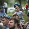 Многие военные пришли с детьми — newsvl.ru