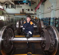 Губернатор Приморья побывал на локомотиворемонтном заводе в Уссурийске
