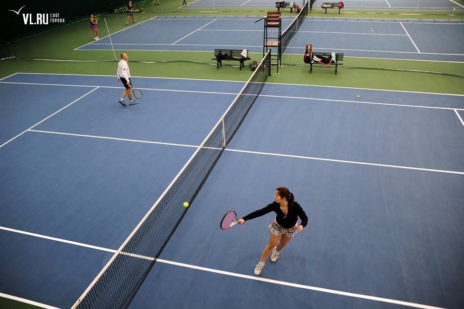 Сделать первые шаги на пути к турнирам большого шлема во владивостоке можно в секциях тенниса, которые представлены в каталоге занятий.